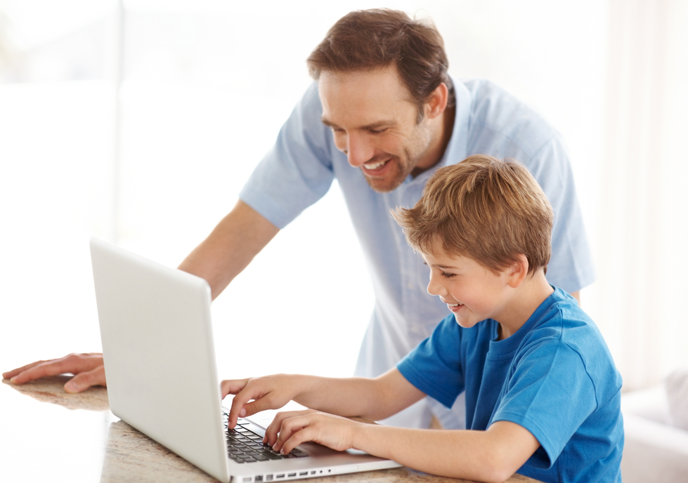 Internet et les enfants : quelle attitude adopter ?