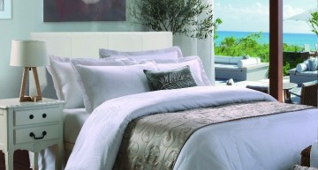 Du linge de lit de luxe pour votre villa