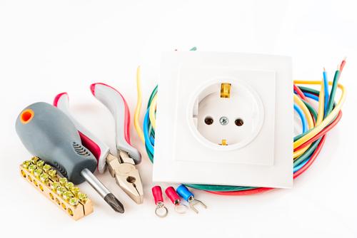 Pourquoi mettre aux normes son installation électrique ?