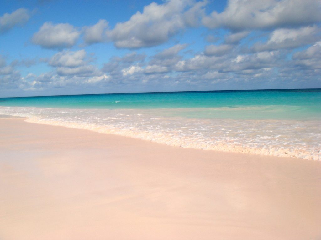 Plage de sable rose Bahamas