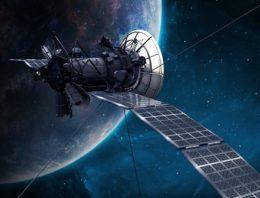 D'un croquis sur une serviette de table à un satellite dans l'espace