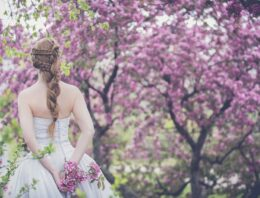 Comment trouver votre robe de mariée idéale rapidement